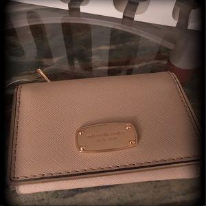🔥💣🔥NWOT Tan Small Michael Kors wallet